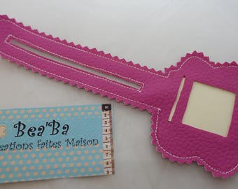 funny and cheerful luggage tag