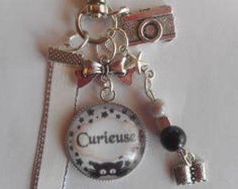 "Keychain bag charm / ""Curious"" / gift / party/birthday"