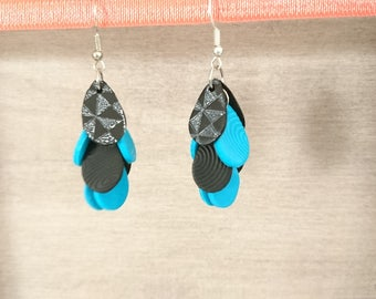 Clusters prints black and turquoise earrings white graphics