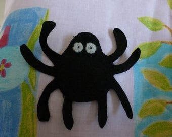 the Gypsy spider felt finger puppet