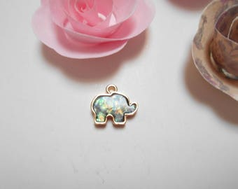 Pendant green opal gold elephant 17 x 15 mm