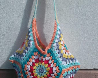 """Sweet Woodstock"" multicolored crochet bag"