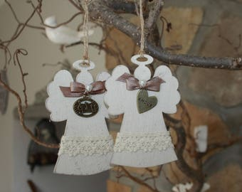 Scented and weathered wooden Angels