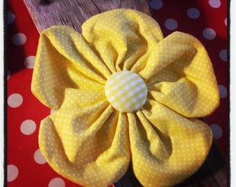 1 large yellow flower Plaid and polka dot 19 cm