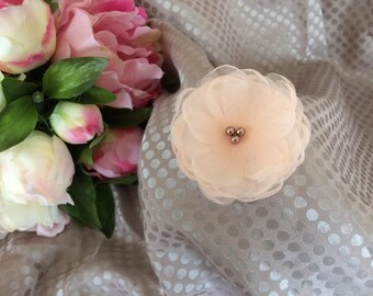 Flower 6 cm pastel salmon organza with pearls