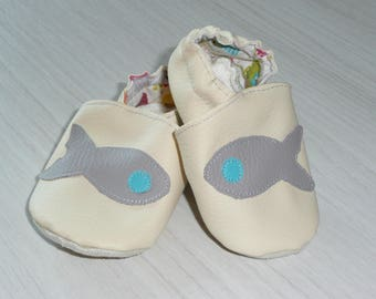 Gift booties white applied fish