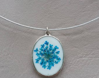 Choker + oval pendant, resin and dried flower turquoise blue