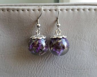 Pierced ears round 1.8 cm resin inclusion of dried Lavender flowers