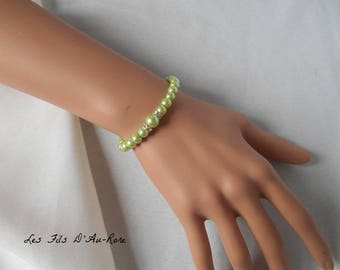 """CHLOE"" wedding bracelet in light green pearl beads"