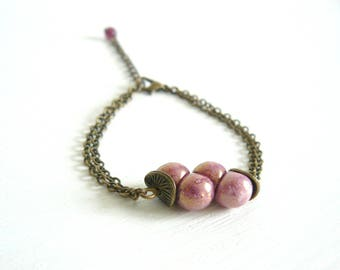 Bohemian bracelet vintage - glass mushroom bead - purple - bronze color brass chain