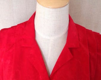 1980s Red Patterned Polyester Button Down Blouse
