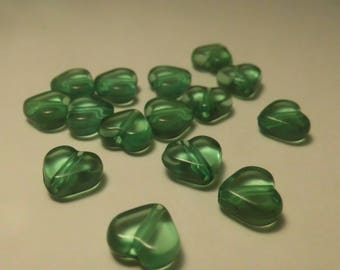 15 HEARTS 10MM GREEN BEADS