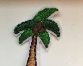 Palm tree patch//iron on// hand embroidery