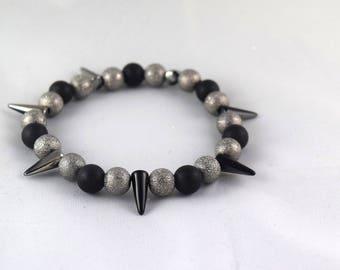 Women bracelet - Trendy fashion - Spike - diamond beads