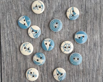 Promo: Mixed Lot of 13 wooden buttons, 15 mm, boat, nautical theme, sea / / ID N10
