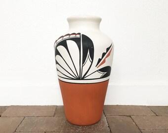 Jemez Pueblo Large Pot - By Native American Artist L Toya