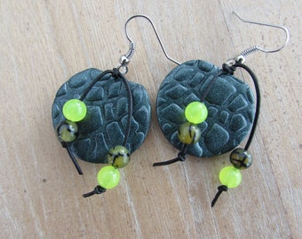"""Natural stone and """"Croco"""" dark green polymer clay earrings"""