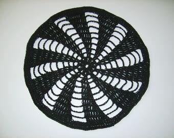 Doily crochet black 20cm