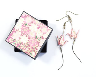 Origami cranes Japanese paper, washi and serpentine chain purple/pink earrings