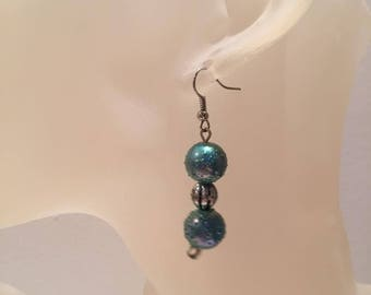 Pearl effect blue water drops earrings