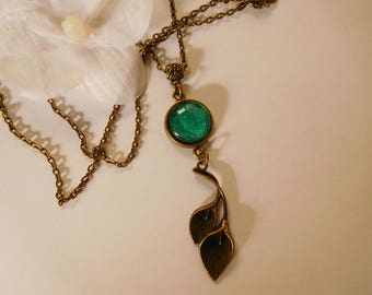 Necklace cabochon 14 mm handpainted green glitter leaf pendant