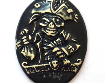 Gothic pirate cameo cabochon (29x38mm)