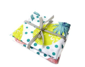 Set of 2 coupons 100% cotton 48/50 cm printed exotic style, pineapple motif