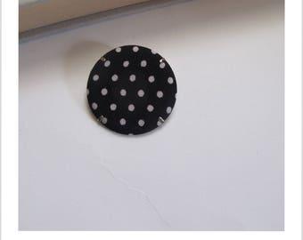 "Fabric brooch, fabric badge black white polka dot skewer""me"""
