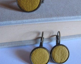 Set earrings sleeper, mustard yellow leather ring