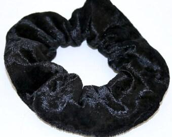 Darling crushed black velvet for the headdress