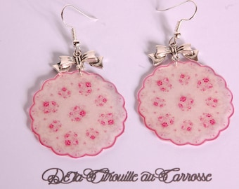 Earrings red and white floral pattern