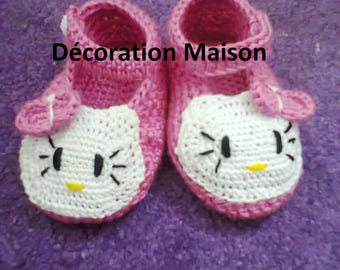 crochet bright pink baby cat shoe