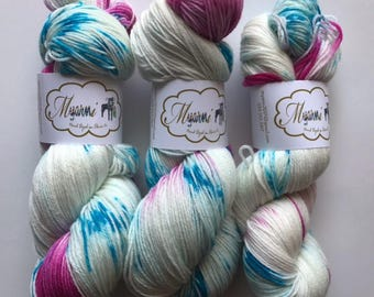 "Hand Dyed Merino Superwash Sock Yarn ""Harley Quinn"""