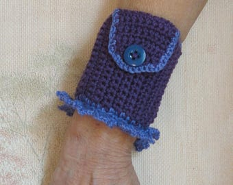 Bracelet purple crochet purse