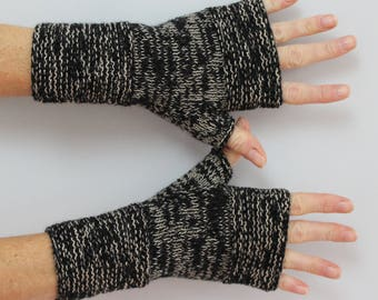 mittens women hand knitted beige and black mottled