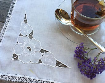 Tatted Lace Rectangle Placemat with Embroidered Cut-out Accent