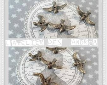 "Set of 20 lovely embossed ""birds in flight"" beads, bronze. 17 X 10 X 2 mm"