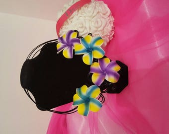 Wire aluminum Black Flower necklace from colored foam