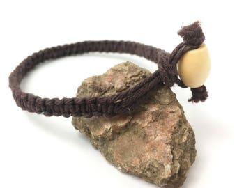 Macrame Hemp Bracelet - Simple Brown Box Knot