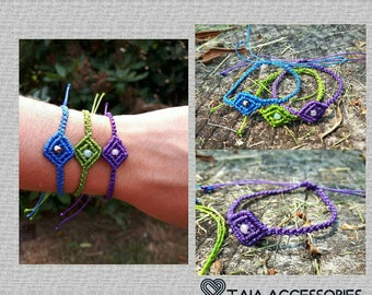 Triangle macrame bracelet