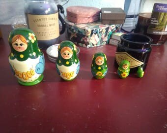 Russian Nesting Dolls Includes 5 Wooden Figures Signed