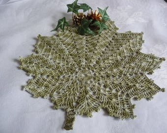 Handmade ombre green cotton lace doily