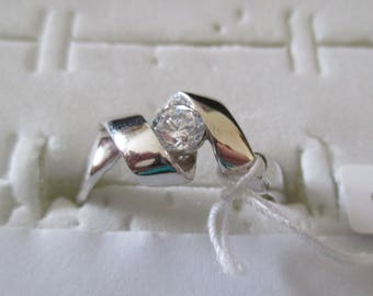 Ring in 925 Silver, with a small white zirconia