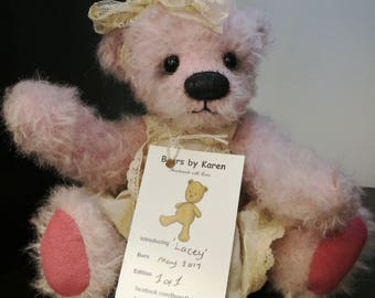 Lacey 8 inch Artist bear