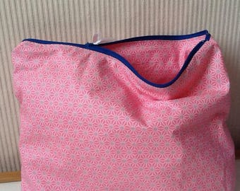 Pink toiletry bag in coated cotton