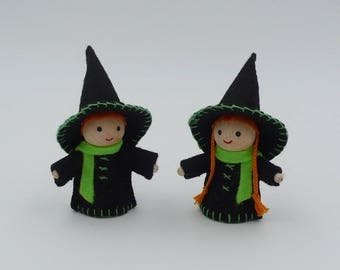Halloween / Witch and miniature Witch / Elves made of wood and felt, dressed in black and green
