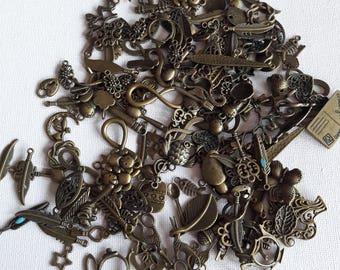 Set of 149 grams charms bronze