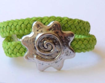 Bracelet 2 turns lime green imitation suede loop flower