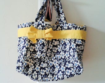 Tote Navy Blue printed flowers and yellow ribbon