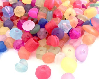 X 200 acrylic MIX varieties 8 to 20MM beads